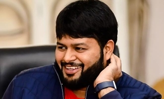 Thaman's emotional throwback photo with father wins hearts!