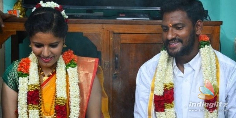 Famous female director marries longtime lover in simple ceremony