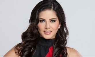 Sunny Leone shot with a gun - Video goes viral