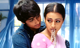 Siddharth and Trisha relive 'Aayutha Ezhuthu' days