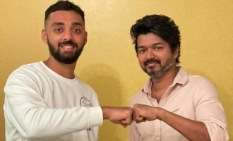 Cricketer Varun Chakravarthy's dream come true meeting with Thalapathy Vijay