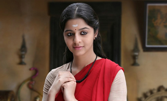 Vedhika dares to do what no modern heroine has attempted