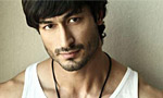 Vidyut wants to turn hero