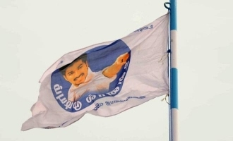 Thalapathy Vijay meets 115 fans who became councillors - 11 point political plan charted out