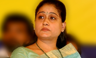 Music director attacks Vijayashanthi for supporting Chinamma