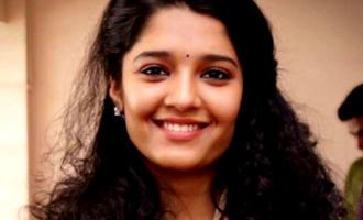Will Ritika Singh dub her lines in 'Aandavan Kattalai'?