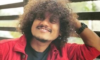 எங்க பரம்பரையிலேயே முதல் கார், அம்மா அழுதுட்டாங்க: 'குக் வித் கோமாளி' புகழ் வீடியோ!