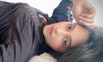 உடற்பயிற்சி செய்யும் நடிகை அஞ்சலியிடம் 'வலிமை' அப்டேட் கேட்ட ரசிகர்!