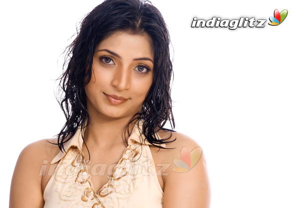 Mouna Bhatt