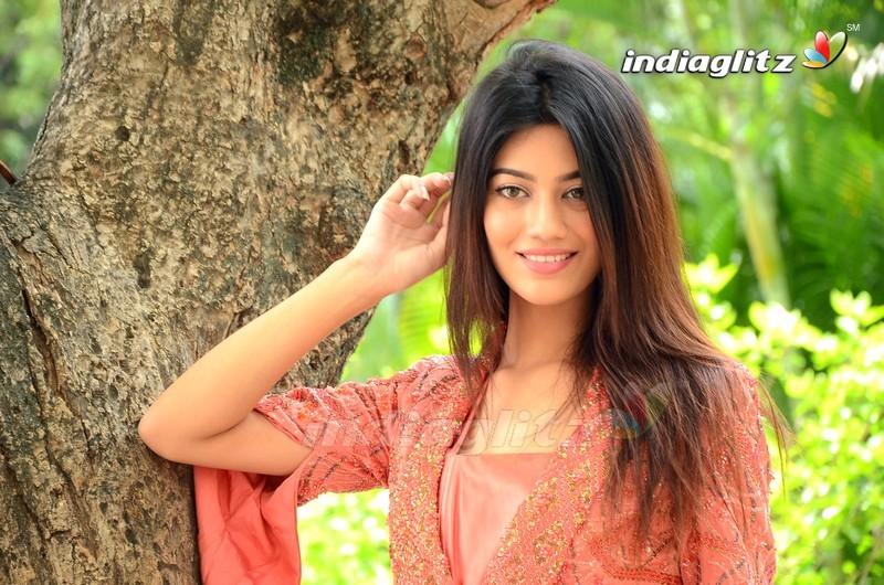 Pooja Solanki Photos - Telugu Actress photos, images, gallery