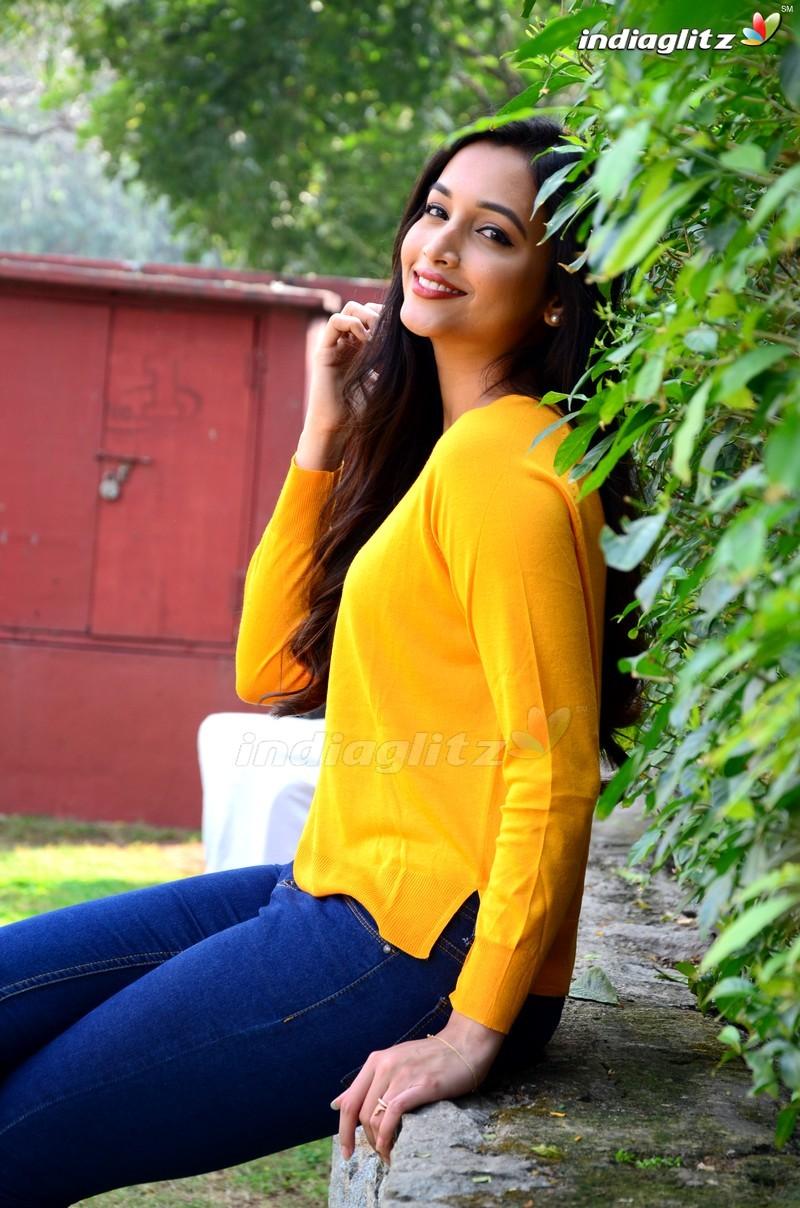 Sri Nidhi Shetty