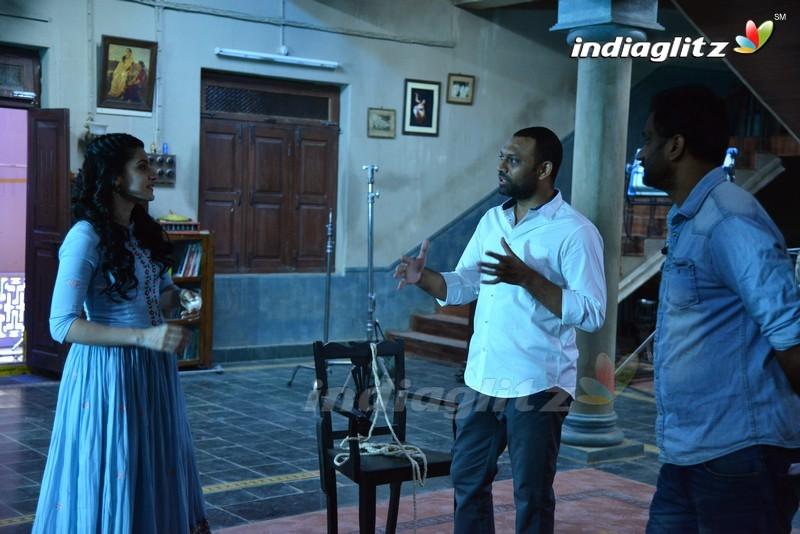 'Anando Brahma' On Location