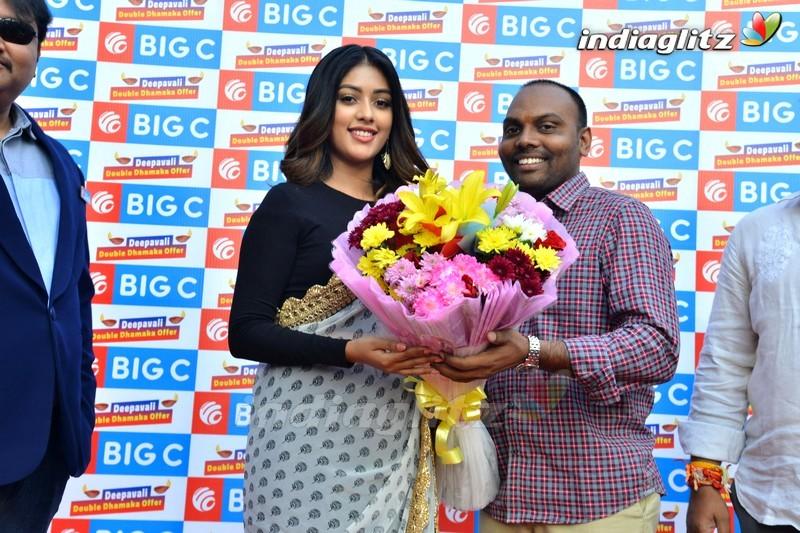Anu Emmanuel @ Bigc Deepavali Prize Distribution