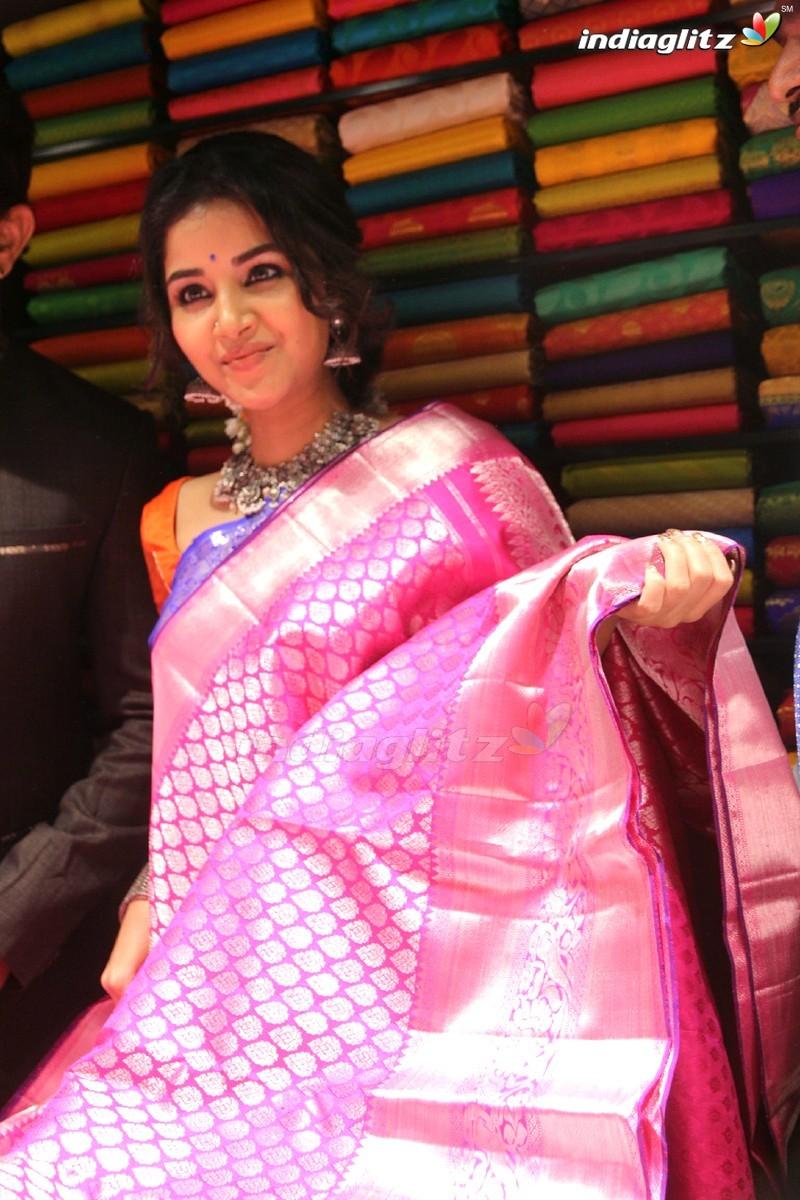 Anupama Parameswaran Inaugurates Subhamasthu Shopping Mall @ Vijayawada