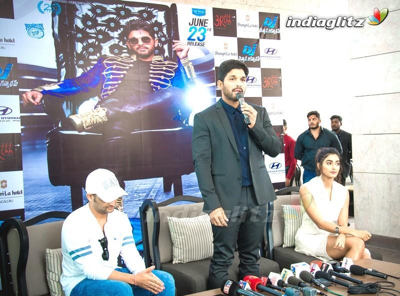 Allu Arjun And Pooja Hegde DJ Press Meet In Bengaluru
