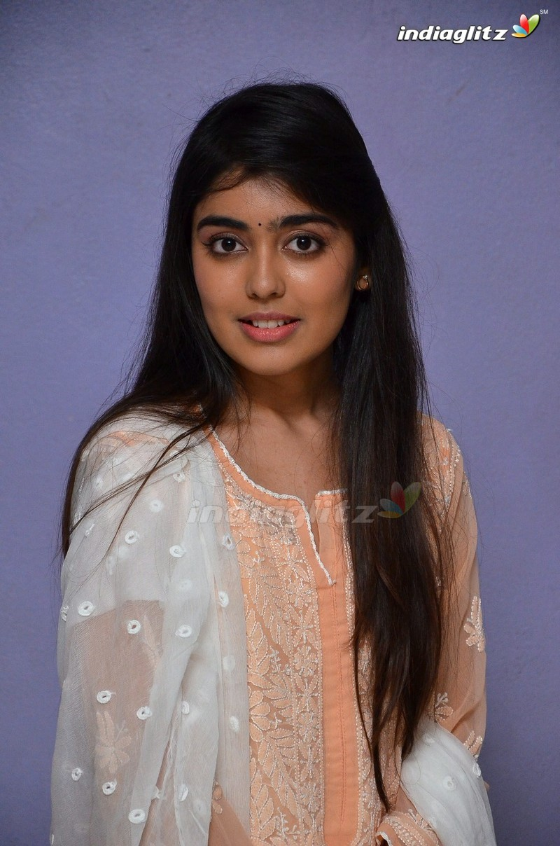 'Evvarikee Cheppoddu' Press Meet