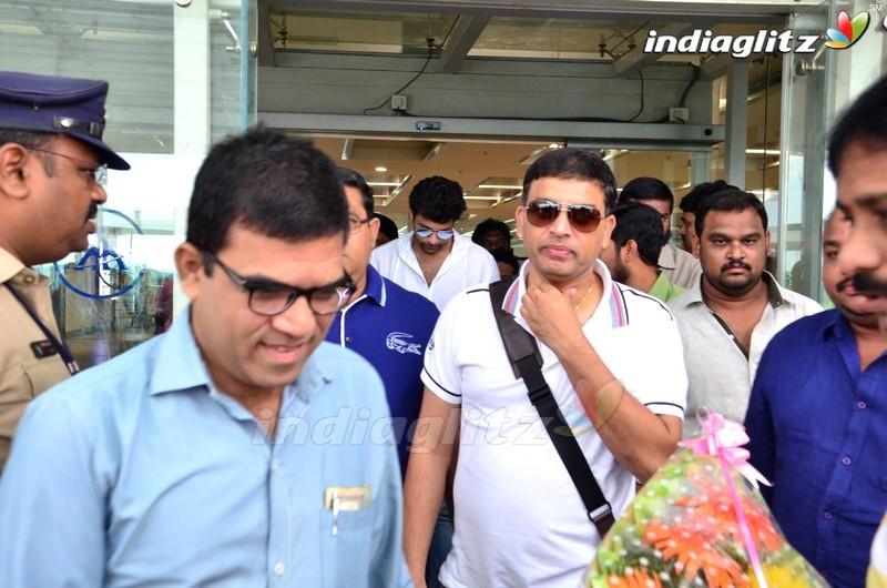 'Fidaa' Team at Vijayawada Airport