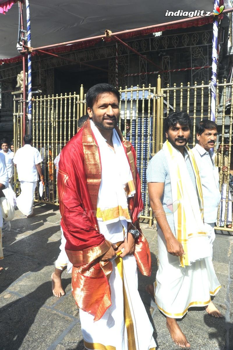 'Gautham Nanda' Team @ Tirumala