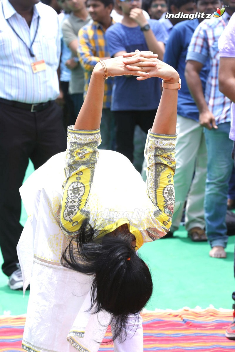 Actress Gouthami Youth Yoga At GITAM College , Hyd