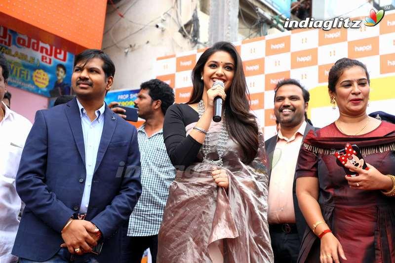 Keerthy Suresh Launches Happi Mobiles Stores In Guntur