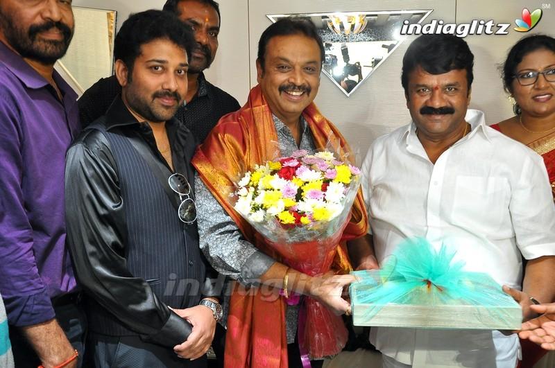MAA President Naresh Meets Krishna & Krishnam Raju