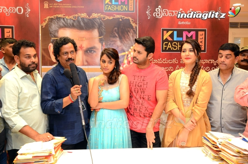 'Srinivasa Kalyanam' Team at KLM Fashion Mall