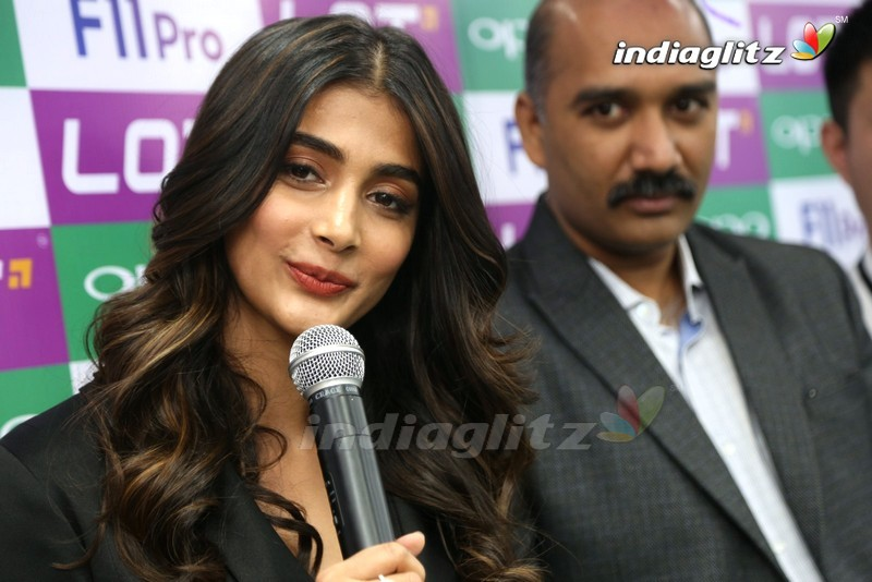 Pooja Hegde Launches Oppo F11 Pro Mobile