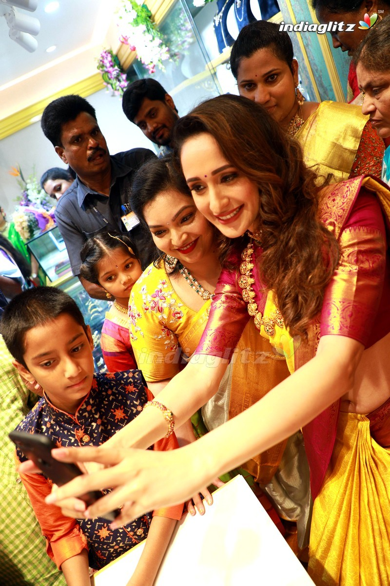 Pragya Jaiswal Inaugurates Hiya Designer Jewellery Showroom