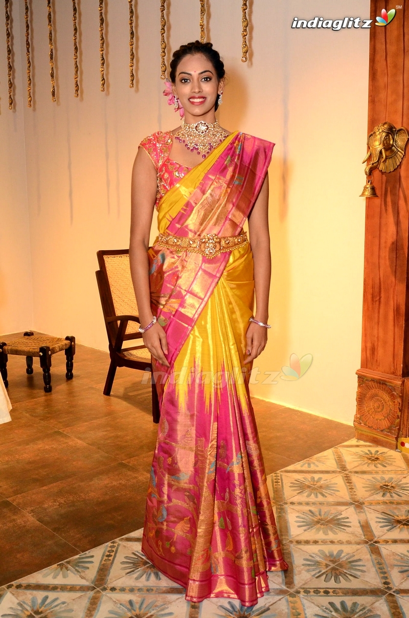 Rashmika Mandanna Inauguration by Mugdha @ 36 Jubilee Hills
