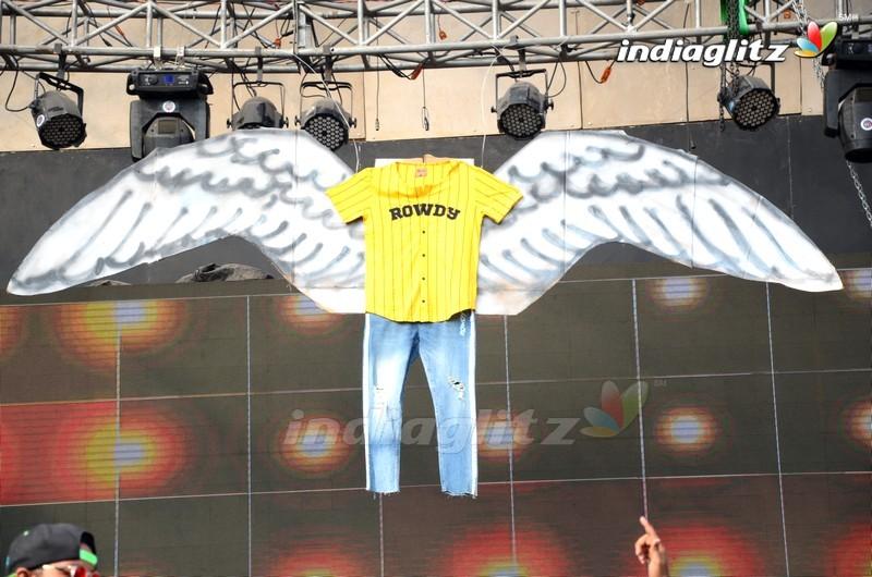 Vijay Deverakonda Hosts 2nd Rowdy Sundowner Party