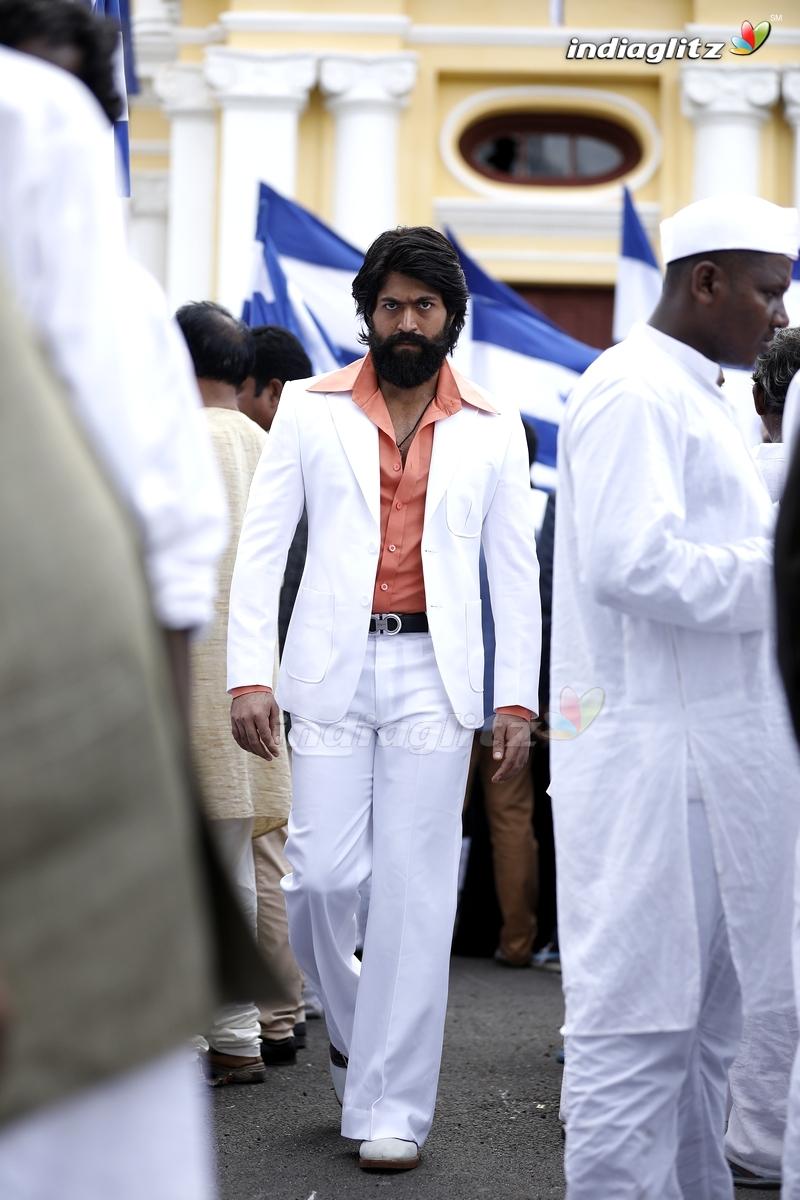 Kgf Photos Telugu Movies Photos Images Gallery Stills Clips Indiaglitz Com