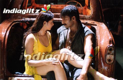 Ranam Movie Climax Fight Scene Gopichand Kamna Jetmalani
