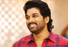 Allu Arjun calls 'Arya' a miracle as the film turns 17