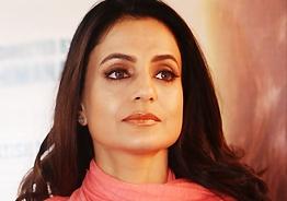 Arrest warrant against Ameesha Patel
