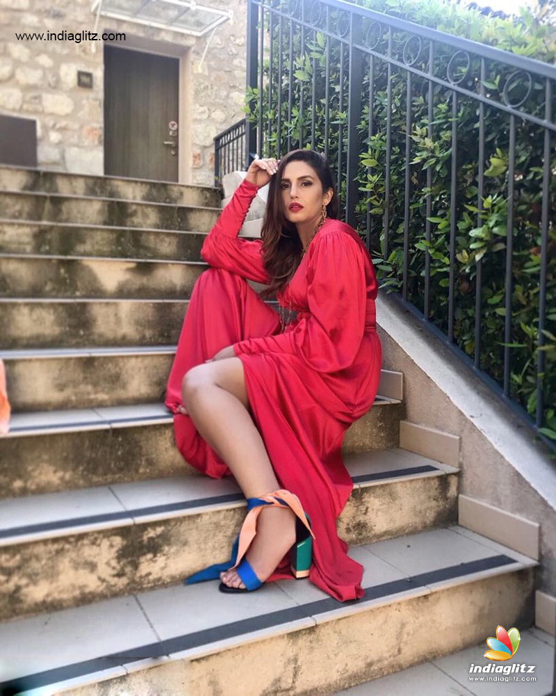 Kaalas Huma Is Sexy Lady In Red