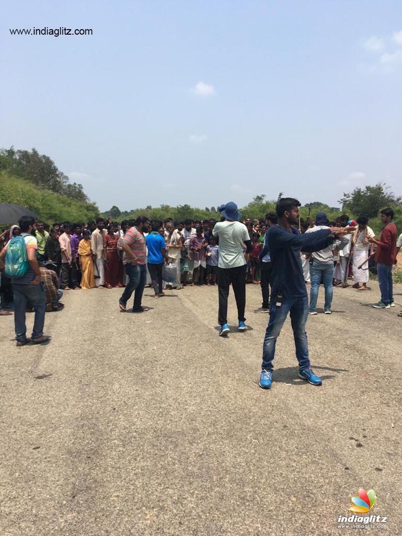 KGF-2': Shoot on at brisk pace, still leaked - Telugu News