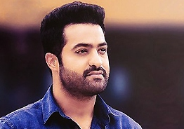 Excited onlookers capture NTR in cameras