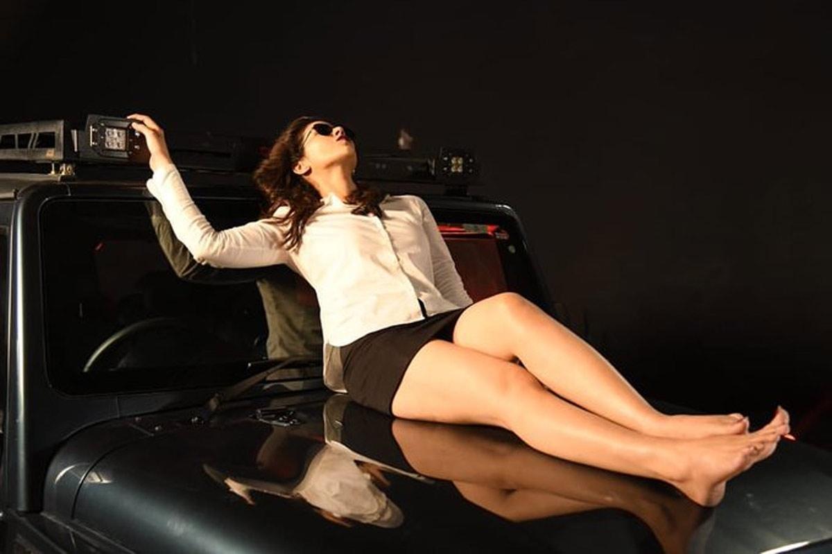 Priyanka Jawalkar looks hot in BTS still