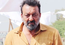 Sanjay Dutt's fans are shocked as he is diagnosed with lung cancer