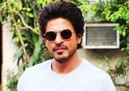 Shah Rukh Khan visits his son in Mumbai jail