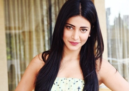 Shruti Haasan gives update on Kamal Haasan's surgery