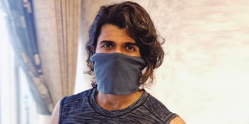 Vijay Deverakonda goes for home-made masks