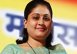 Vijayashanthi refutes party change rumours