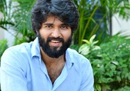 Deverakonda donates big for relief measures