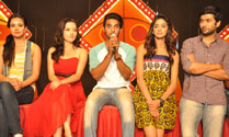 'Gaalipatam' On Location Press Meet