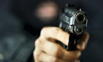 'Marry me', stalker threatens heroine at gun point