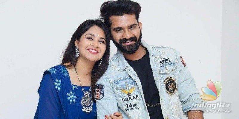 Akhil to romance Monal Gujjar in Telugu Abbayi Gujarat Ammayi