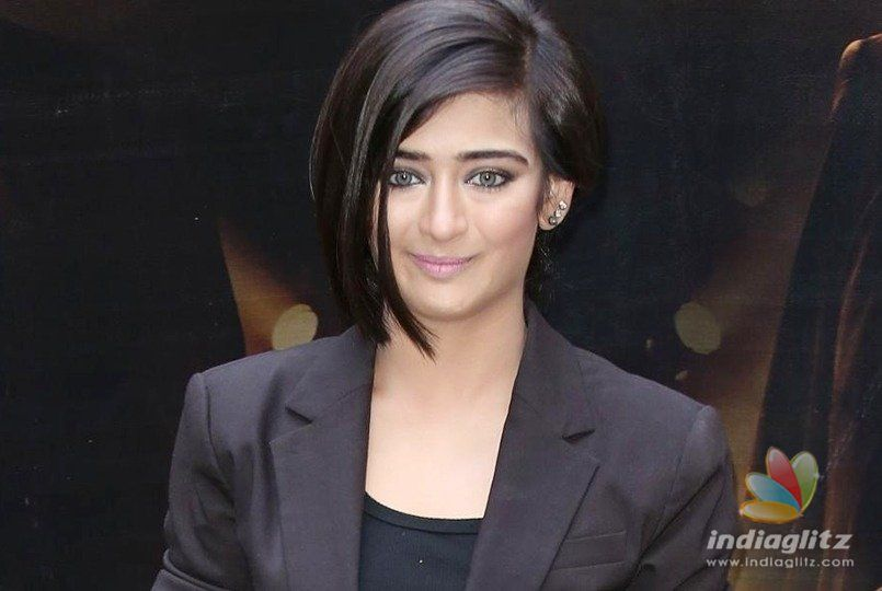 Akshara Haasan goes to police on leaked pics