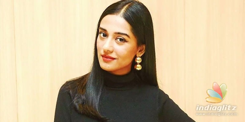 Athidhi actress Amrita Rao shares baby bump pics