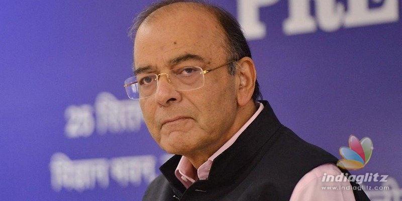 Arun Jaitley gets praises for vacating official residence